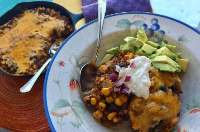 Vegetarian Mexican Quinoa Bowls - juggling with julia