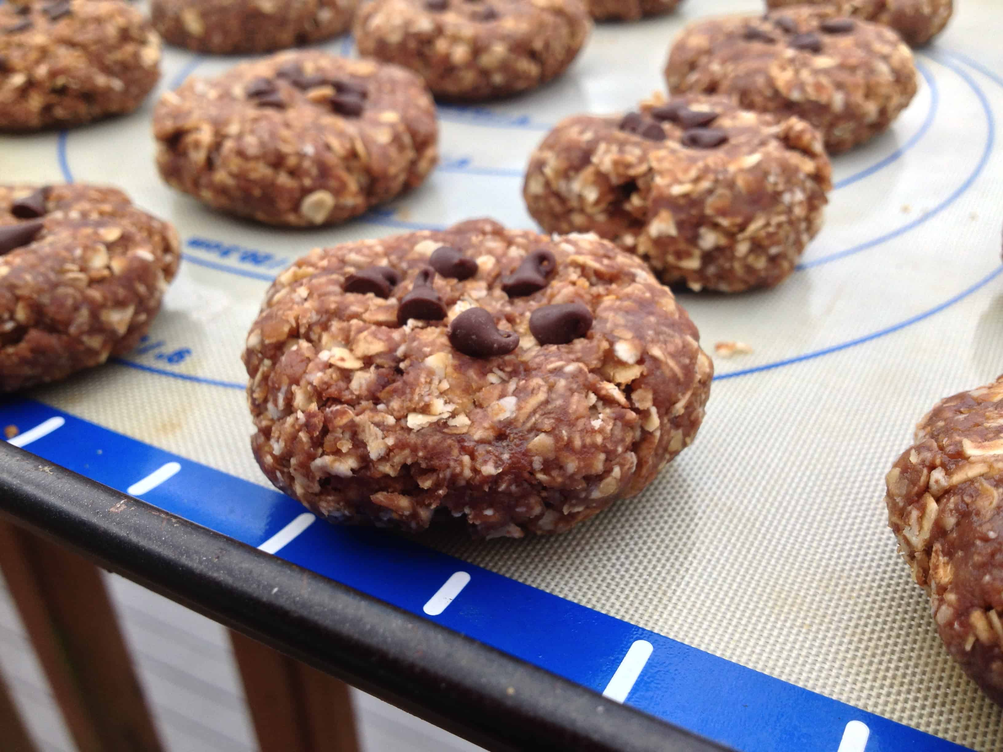 No-Bake High Energy Chocolate Peanut Butter Cookies -- Juggling With ...