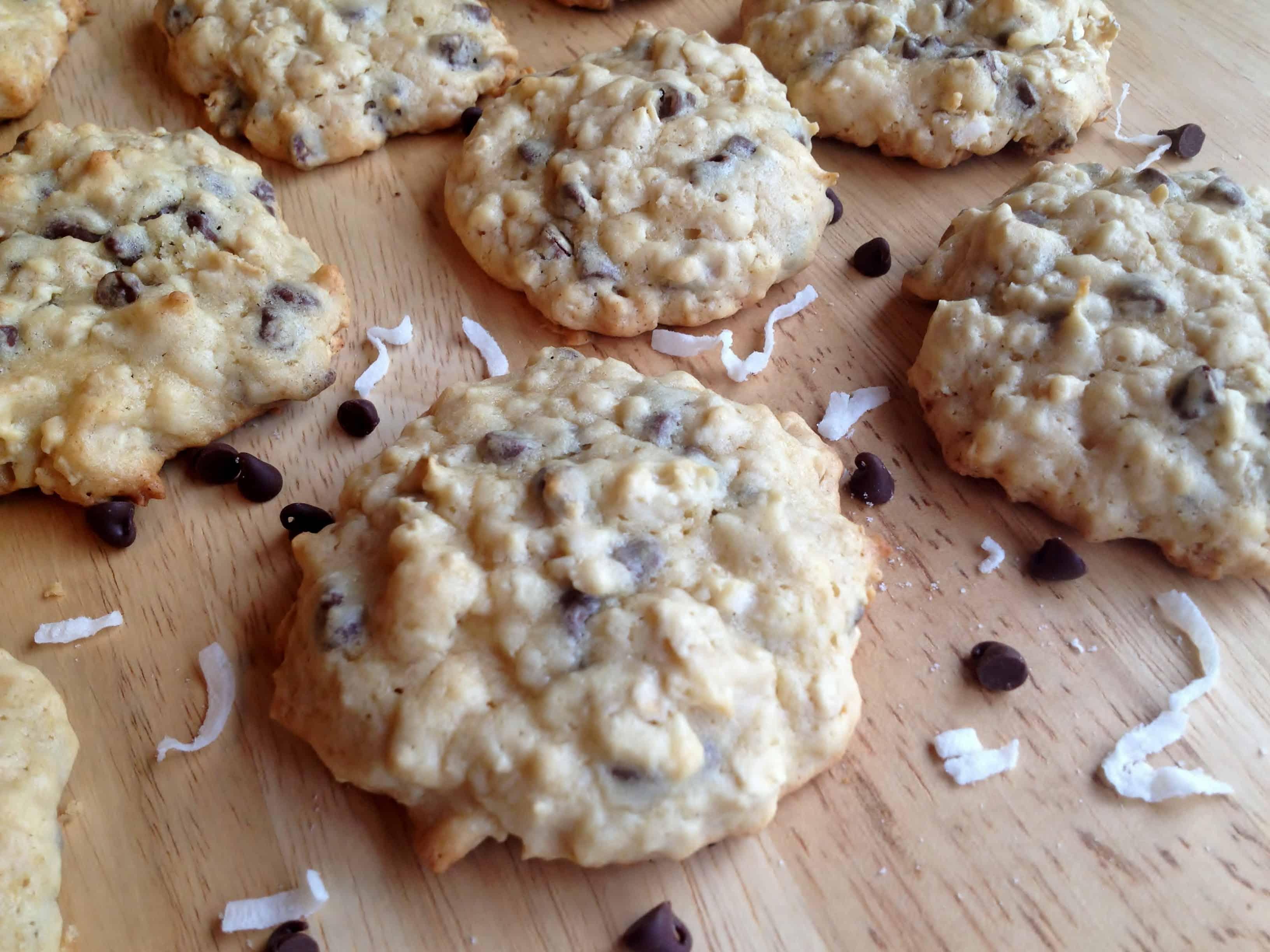 Coconut Oatmeal Chocolate Chip Cookies with Greek Yogurt ...